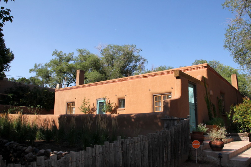 Regional architecture and preservation in santa fe nm for Santa fe style homes