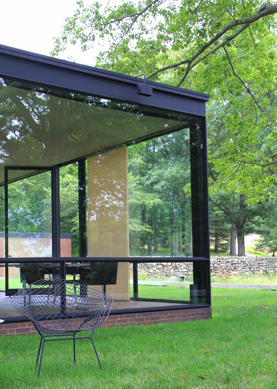 architect steve chambers visits philip johnson s glass house. Black Bedroom Furniture Sets. Home Design Ideas