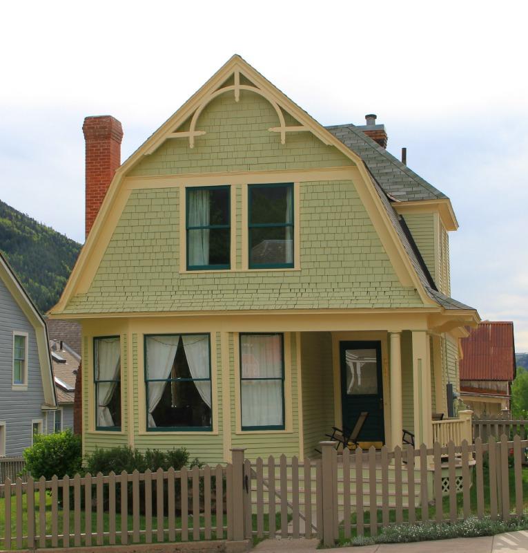 Telluride Folk Victorian Homes