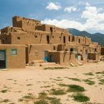 Taos_Pueblo_Wikimedia_Commons_Luca_Galuzzi