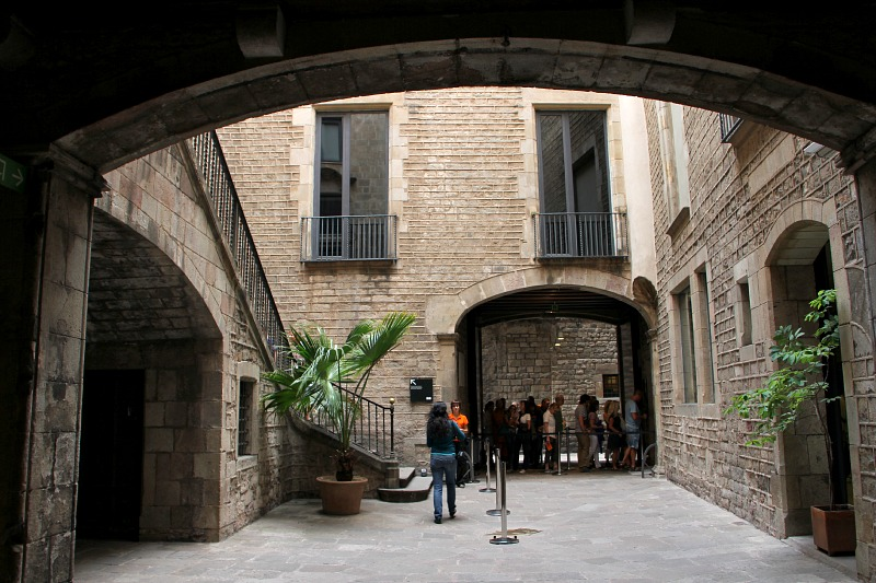 An Architectural Tour Of The Picasso Museum In Barcelona