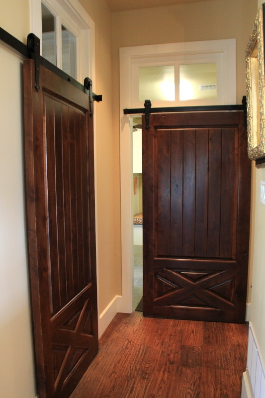 10-interior-barn-doors-design-dallas-ranch-architect-steve-chambers