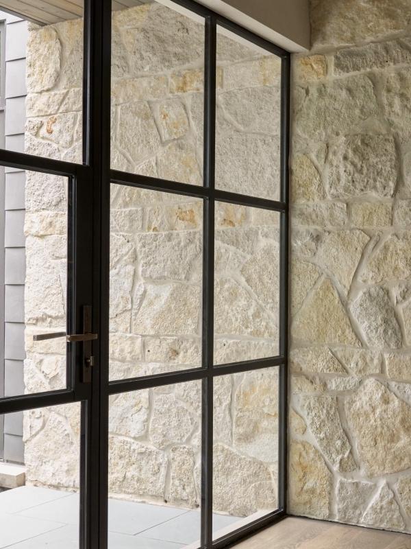 dallas-modern-architect, accessible-home-design, modern-steel-doors, natural-light-home-design